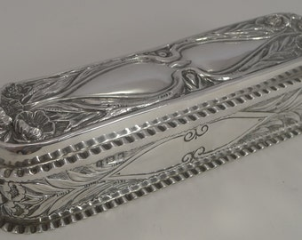 Magnificent Large English Art Nouveau Box In Sterling Silver - 1904