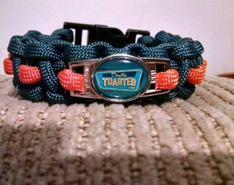 Cobra weave 550 Paracord Bracelet with DT decal