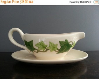 30% Off Sale - Vintage Franciscan Ivy Gravy Boat, Earthenware Green Ivy Gravy