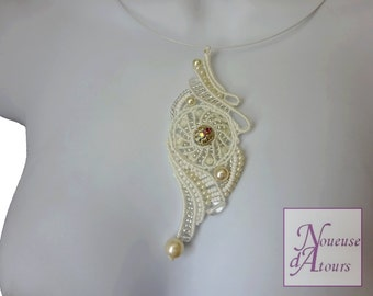 Necklace white collection micro-macrame circle and volutes