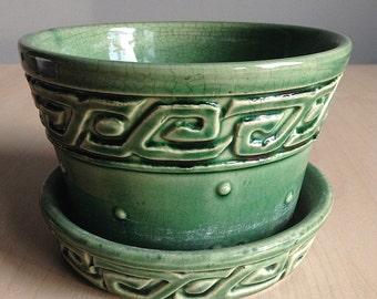 Vintage McCoy Flower Pot Planter Green