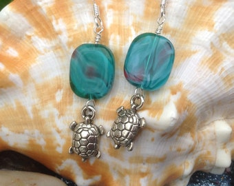 Lampglass sea turtle earrings