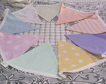 Pastel bunting (small)