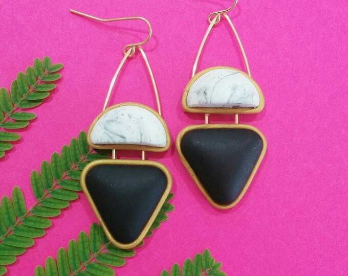 WINK DROP EARRINGS// Marbled, geometric, polymer clay dangle earrings// White marble, black and gold earrings with wire detail  #DE2035A