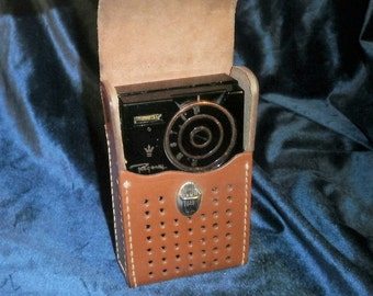 1956 RARE Regency TR-1G transistor radio with leather case and Free United  States shipping