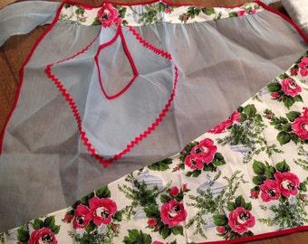 Beautiful Vintage Flower & Birdcage Apron