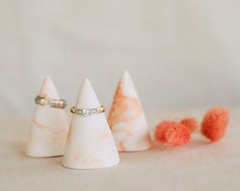 Peach marbled ring cones set of 3