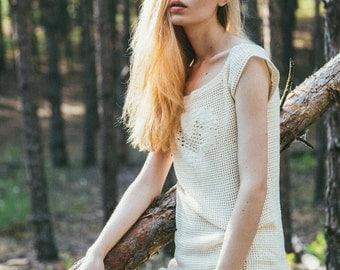 Knitted creamy dress hook