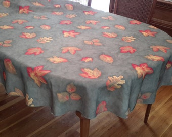 Vintage Oval Shaped Green Fall Leaves tablecloth, oak leaf, fall decor, autumn decor, green, leaf design, shabby chic, cottage chic, country