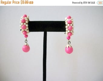 ON SALE Vintage 1950s Pink White Clip On Earrings 8516