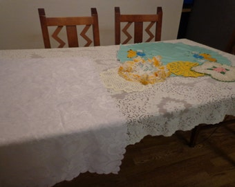 Vintage Table Cloth/Accent Table Cloths  and Doilies