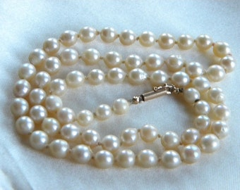 Vintage CULTURED pearls necklace 14ct yellow gold clasp ~ gift idea ~ inA51425