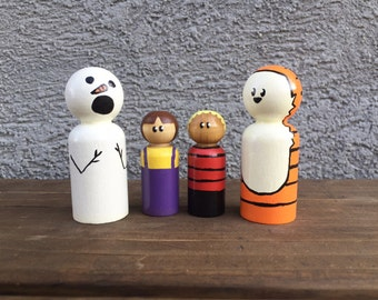 Calvin and Hobbes with Susie and a Snowman peg dolls