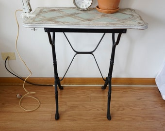 French Bistro table /Cafe/Garden/Patio/ Kitchen Table Antique Cast Iron/Metal,
