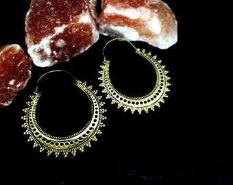The Wind Rose, Golden Precious Hoops