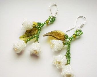 Beaded Lily of the Valley Earrings, Lily of the valley jewelry, beaded flower earrings, bead flower earrings, white flower earrings,