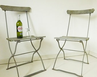 Set of 2 very old ( 1920) french bistro folding chairs... CHARMANT!