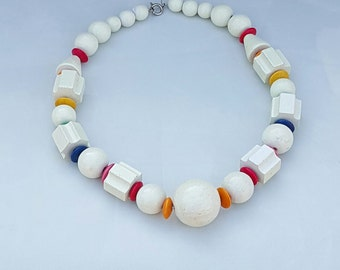 1970 wooden bead necklace