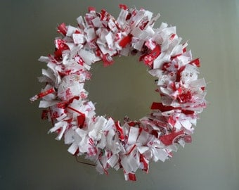 Christmas wreath in white and red
