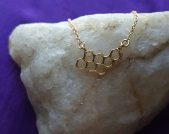 "Honeycomb Charm ""TRIBE"" necklace - 18K gold plated"