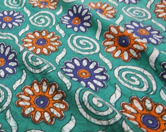 Indian Floral Printed Fabric Cotton Decorative Dressmaking Apparel Material Sewing Fabric Indian Cotton Costume Sew Fabric By 1 Yard ZBC5385