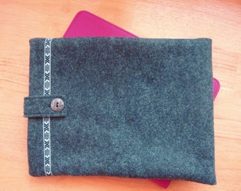 Felt tablet case in charcoal gray
