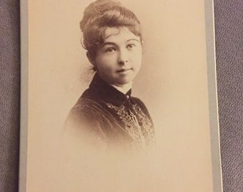 Late 1800s cabinet card photo