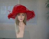 Kentucky derby hat red