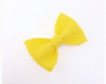 Yellow felt bow, yellow hair bow, yellow hairbow, little yellow clip, cute yellow bow, yellow hairbow, yellow hair clip, yellow hairclip