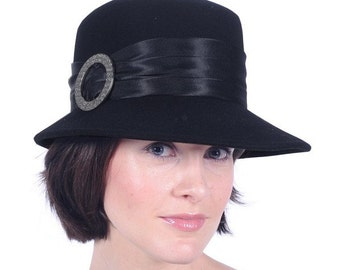 1920's / 30's style hat with Buckle