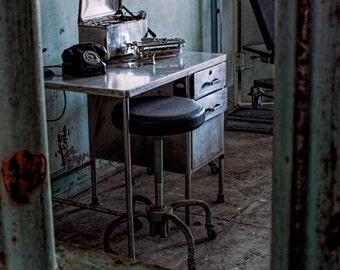 Doctor's Desk Alcatraz