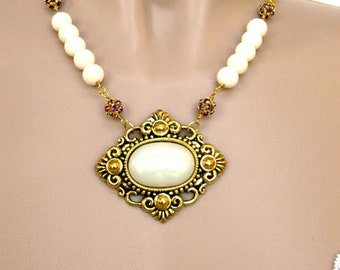 Necklaces for Women Gemstone Necklace Statement Necklace Gold Pendant Necklace Beaded Necklace Boho Chain Necklace Short Necklace