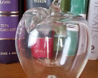 Vintage 1980s Clear Glass Apple Paperweight/Office/Desk Decor/Teachers Gift/Collectible Glass Paperweight
