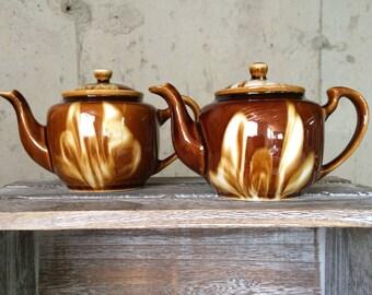 Two (2) Small Tea pots, Vintage, Mid Century, 1960, Sister Tea Pots, Children Tea Toys, Best Friend Tea Pots, Play Kitchen Dishes, Tea Party