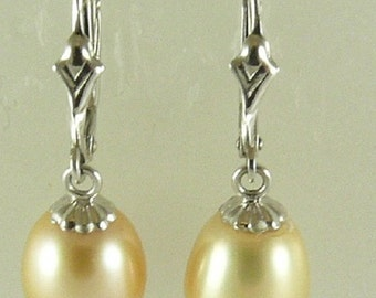 Freshwater 8.7mm x 11.1mm Pearl Earring 14k White Gold Leverback