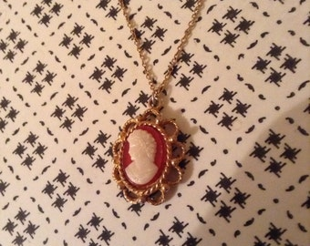 Cameo gold style necklace vintage retro