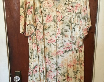 Clearence: 9.00...Vintage 1970s plus size 22