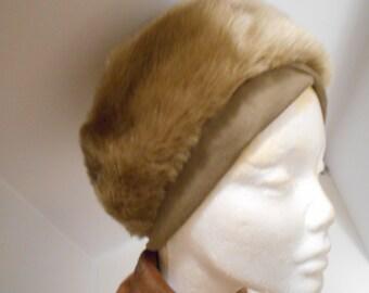 Vintage faux fur hat; High Fashion; Vogue Couture....!..