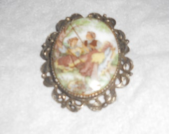 Vintage Picture Pin/Brooch