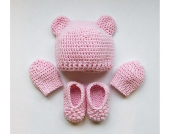 Woolly baby set, hat, mittens and booties