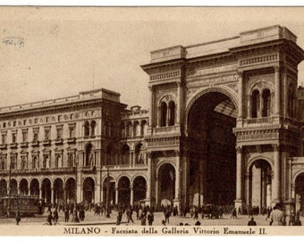 Milan Italy  Vintage Postcard 1930 Galleria Vittorio Emanuele II