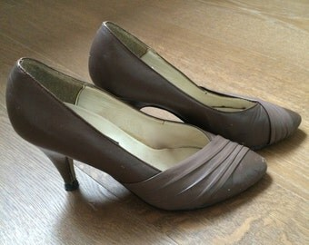 Vintage 1960 Pumps Shoes