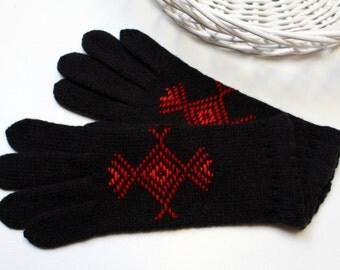 Womens black wool gloves, 100 % wool