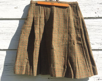 Houndstooth Wool Skirt • Size 4