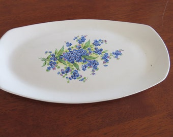 White forget-me-not plate