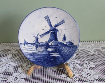 VINTAGE plate wall Delft hand painted / Mid-century Plate from Netherlands hand painted design of Windmills / VTG Windmill