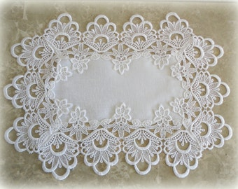 "18""  SET of 2 Lace Doily Placemat Runner DECADENT WHITE Retangular"