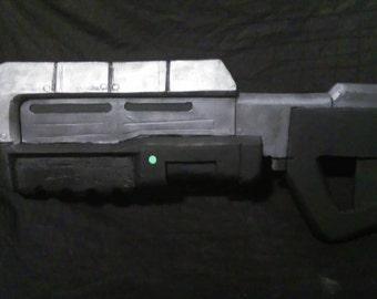 Halo MA5B assault rifle foam replica