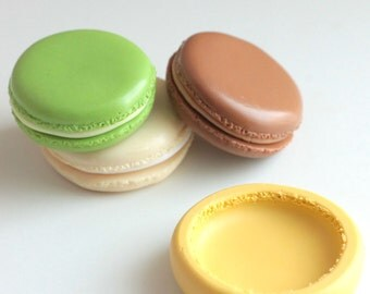 Mold silicone macaroon large 3.2 cm. Polymer clay, resin, airclay