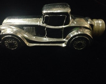 "Vintage Avon car ""Sterling Six"" Tai Winds aftershave"